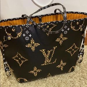 Louis Vuitton jungle neverfull with pouch